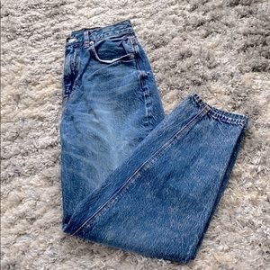 American Eagle Relaxed Mom Jean